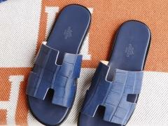 现货、H家男士拖鞋 雾面鳄鱼 宝石蓝 38-46码 休闲时尚风格 非常拉轰