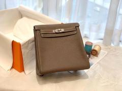 HERMES 进口 tc皮 18大象灰 银扣 蜡线手缝 20Kelly Ado是Kelly系列延伸设计的小书包 男女通用款